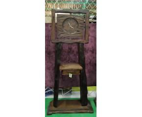 Reloj Castaño macizo