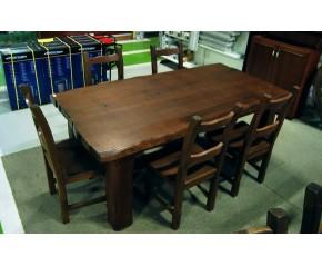 Mesa y sillas comedor en castaño viejo