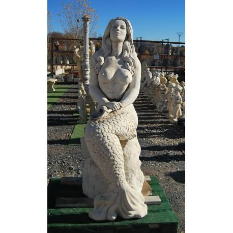 Fuente estatua sirena