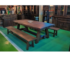 Mesa en castaño viejo